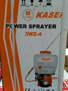 Sprayer engine pump