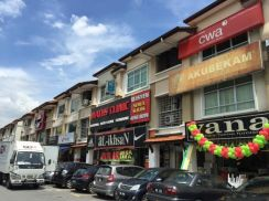 [GOOD DEAL] 3 Storey Facing BIG MAINROAD Taman Dagang, Ampang