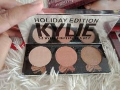 Kylie highlighter