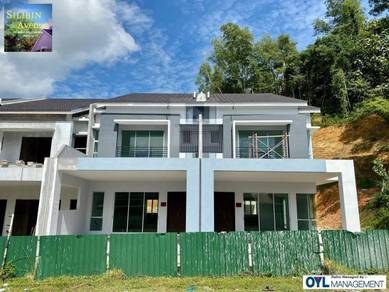Silibin Avenue Double Storey Terrace House