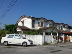 Double storey at taman suria ( Corner Lot )