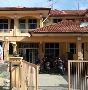 Rumah Teres 2 Tingkat di Taman Ceria utk dlepaskan