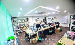 Street Mall One South Near Sg. Besi highway, office FOR sale