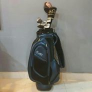 Left hand golfer golf set.
