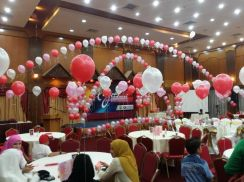 88) wedding balloon event