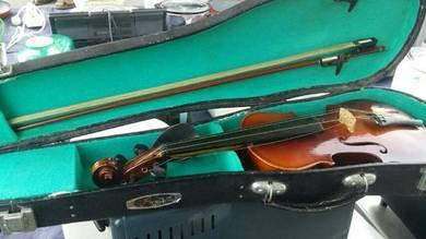 Violin secondhand