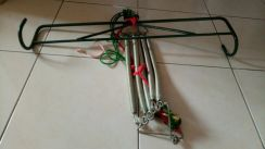 Sarong hanger with 5pcs springs