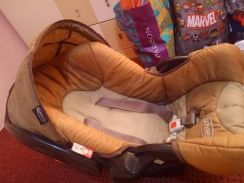 Graco Baby carseat carrier