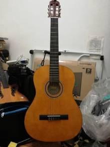 Valencia classical guitar 4/4