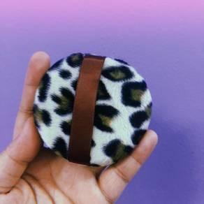 Leopard Puff