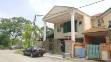 Bandar Putera , Fully Renovated , Corner Lot 2 Storey , 0% D/p