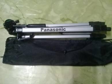 Panasonic tripod