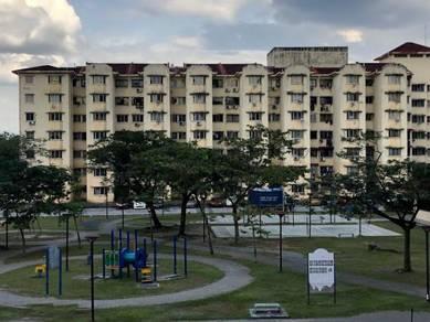 Pangsapuri Subang Suria at Shah Alam 778sf Non Bumi Lot Good Condition