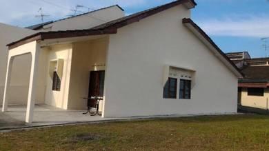 Skudai baru single storey corner house, big land, Full loan
