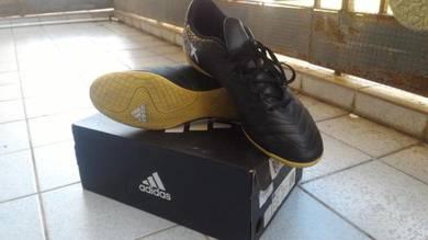 Adidas Ori Futsal shoe