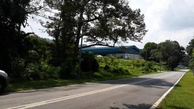 30,000 Kaki Pesegi Di Tepi Jln Raya Jln Sungai Suloh-Batu Pahat-Johor