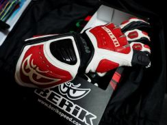 Race Gloves BERIK