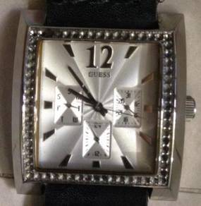 Jam besar 38 mm GUESS 3 subdial steel Watch