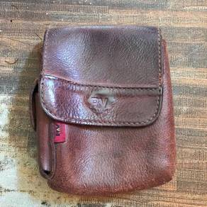 Rav leather pouch