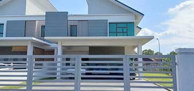 Kota Seriemas Semi D with spacious garden for Rent