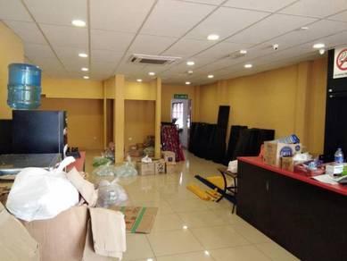 Bukit Beruang, Main Road Ground Floor shop Lot for rent