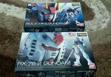 Bandai RG 1/144 Gundam & Zaku