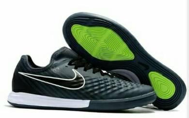 Kasut Nike Magista Futsal