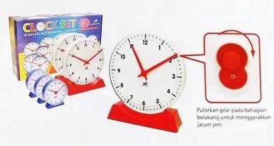 Model Clock Set