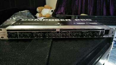 Compresor Pro Behringer MDX 2200