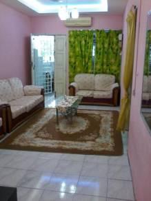 Aenis homestay teluk batik pangkor manjung point