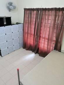 Bilik single non sharing tingkat 1 pusat komersial sek 7 with internet