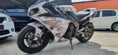 Yamaha r1 superbike 2012