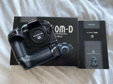 Olympus OMD-EM1X