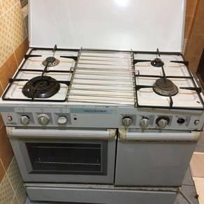 Gas stove Burner plus oven
