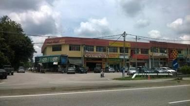 1/2 of the groudfloor shoplot for rent Taman Megah, Batu Pahat