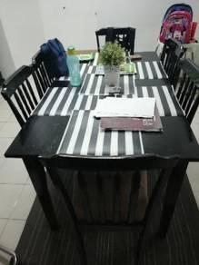 Set Meja Makan