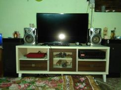 Speaker 1 set