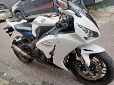 Honda cbr 1000 rr promotion price~0% gst
