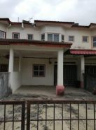 Double Storey terres in moving in condition in Springhill Lukut