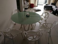 Modern 6 seaters dining table