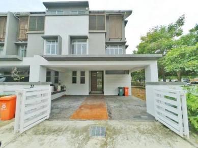 (LAKE VIEW) CORNER LOT 2.5 Storey Terrace House, Presint 16, Putrajaya