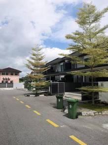 Double storey linked house at botanika,batu kawa(opposite emart)