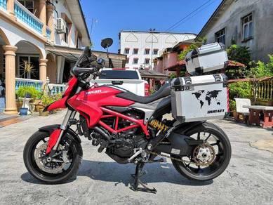 Ducati Hypermotard 821 (full loan)