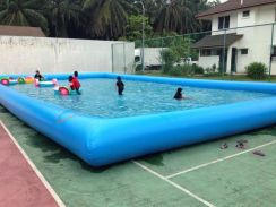 Kolam dan bot untuk kanak kanak