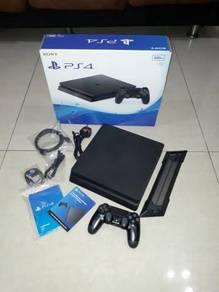 Sony PlayStation 4 Slim 500GB (Like New)