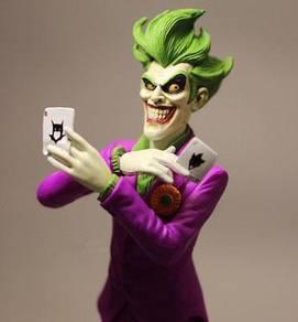 The Joker playing Poker card + base toy 19cm