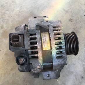 Alternator dan absorber Toyota Estima ACR50