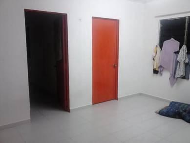 Bilik Flat Seksyen 24, Shah Alam - Lelaki