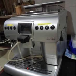 Saeco Aulika Focus Espresso Machine
