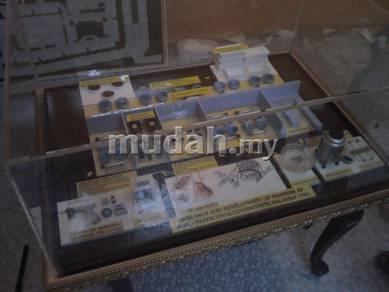 Model maker miniature